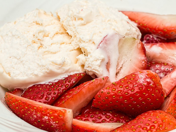 Fresh Strawberries, Vanilla ice cream & Pear Williams Schnapps